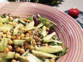 körili nohut salatası