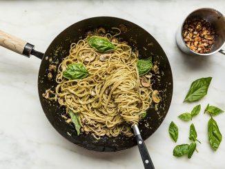 Pesto Soslu ve Mantarlı Spaghetti