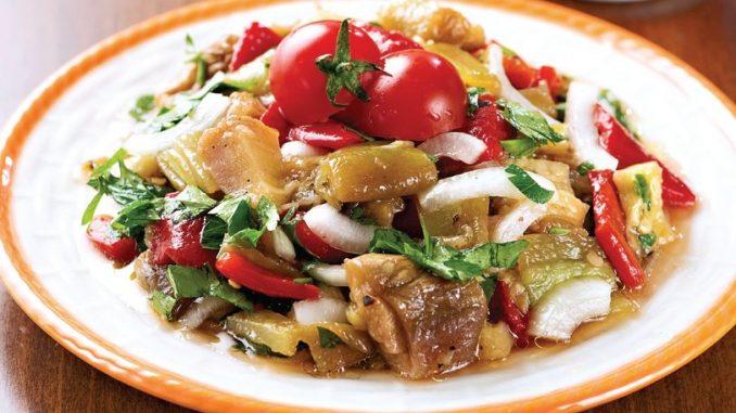 Lezzetli Patlıcan Salatası